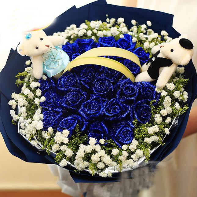 19朵蓝色妖姬,外围黄莺和满天星,2个小熊